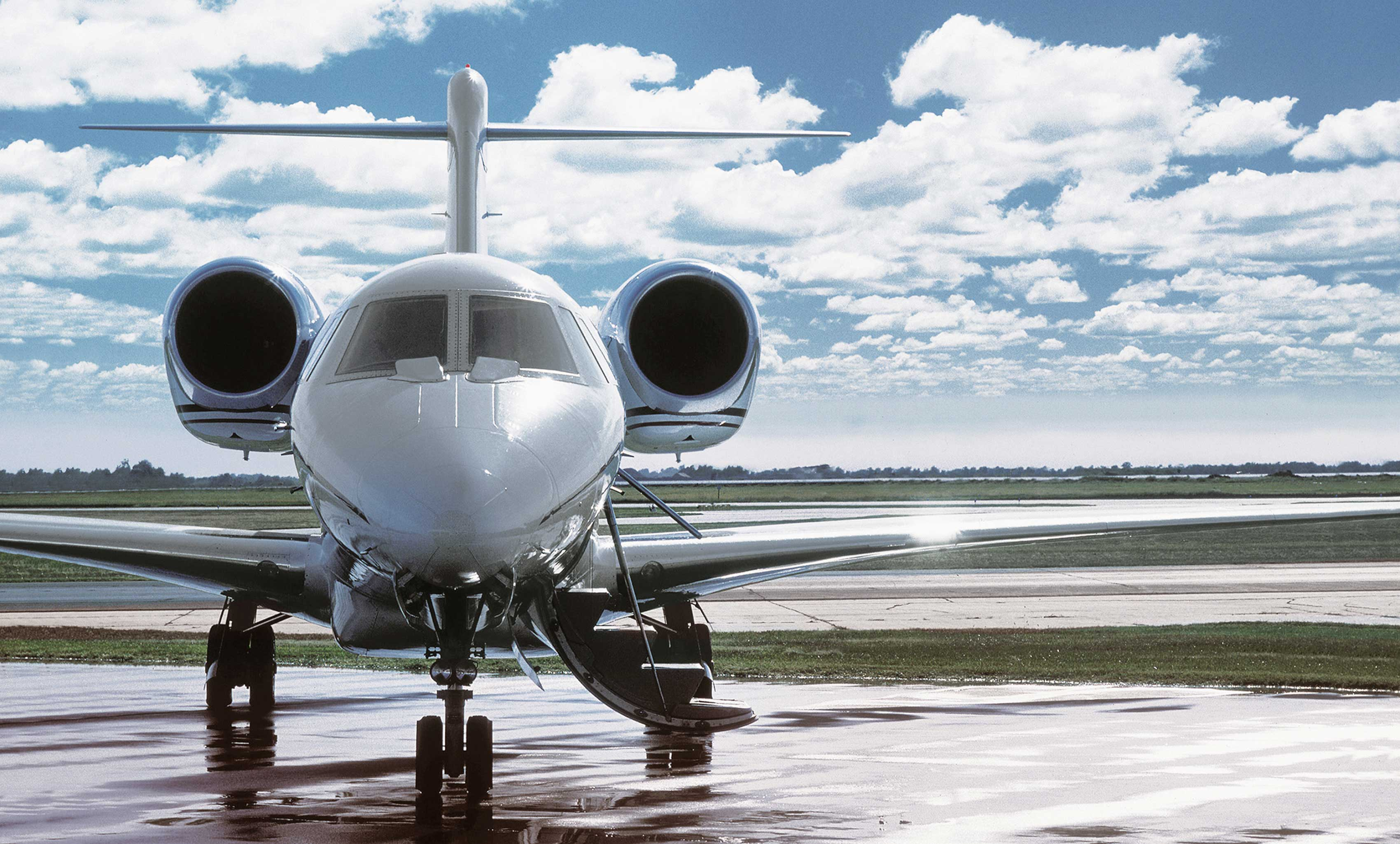 Business aircraft handling services